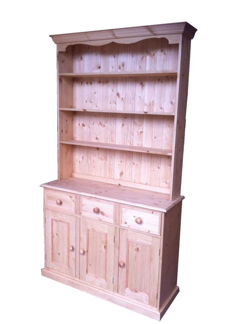 Wye pine tall traditional welsh dresser for Traditional kitchen dresser